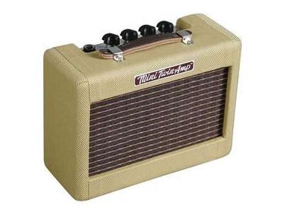 023-4811-000 Mini '57 Twin Amp